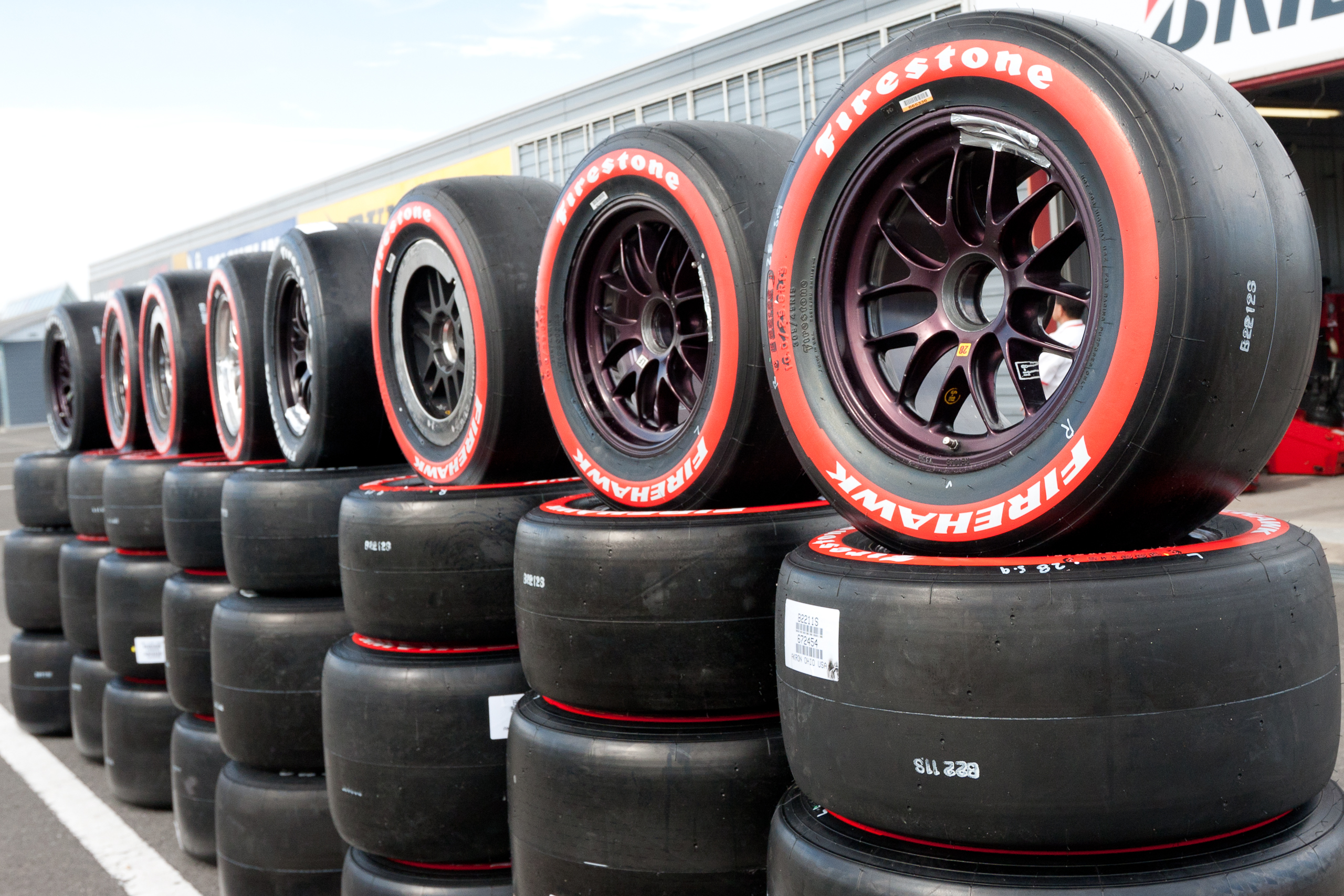How to Set Race Tires